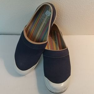 Dansko size 40 vegan slip-on shoes